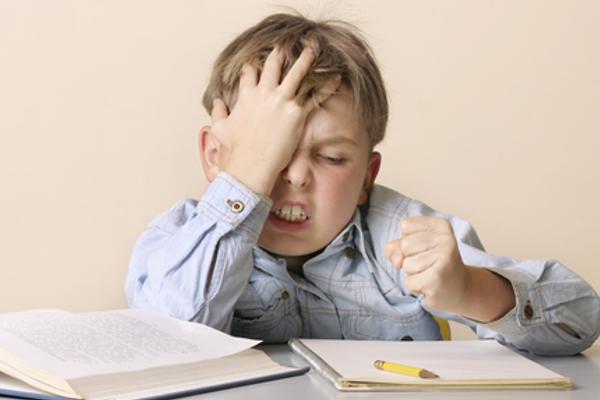 як засавити дитину робити уроки-1