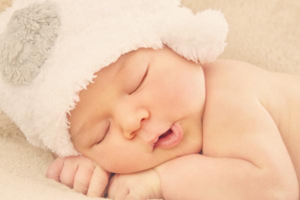 Як відлучити дитину від нічного годування-1
