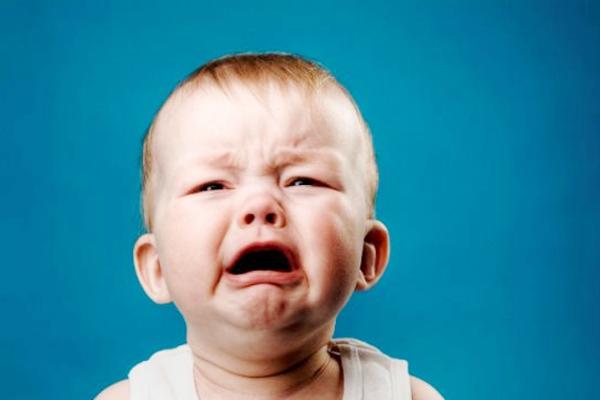 чому дитина плаче-1