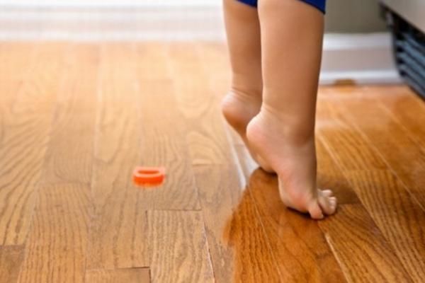 чому дитина ходить на носочках