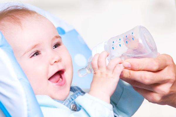 чому дитина багато п'є-1