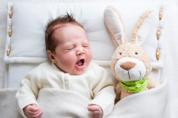 чому дитина плаче у сні-1