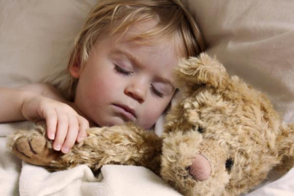 Чому дитина розмовляє уві сні-1