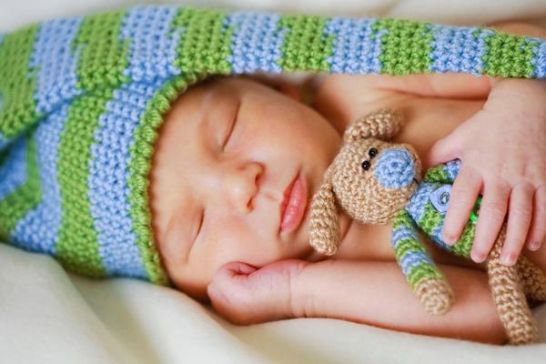чому дитина багато спить-1