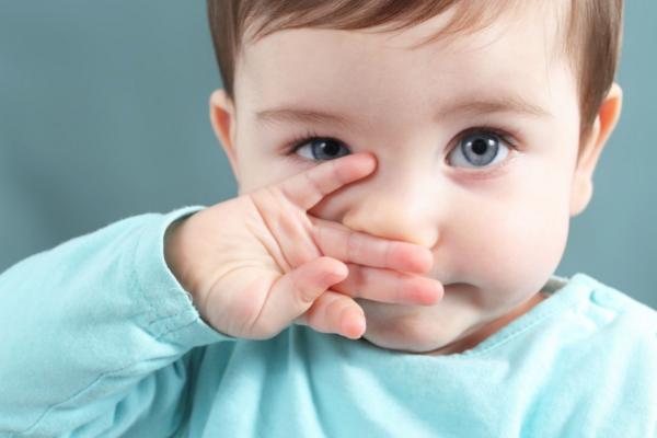 чому дитина тре очі-2