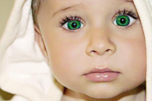 чому у дитини змінюється колір очей-1