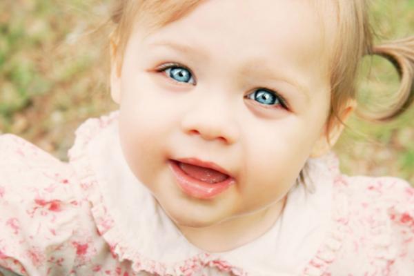 чому у дитини синяка під очима
