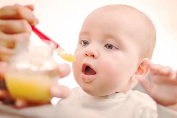 що вміє дитина в 9 місяців-1