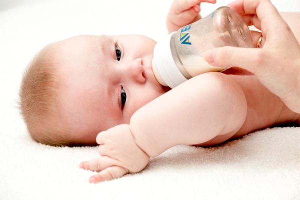 Як вибрати дитячу бутилочку-1