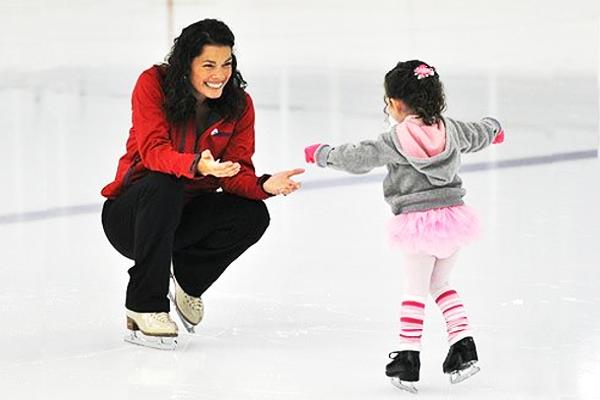 Як навчити дитину кататися на ковзанах-1