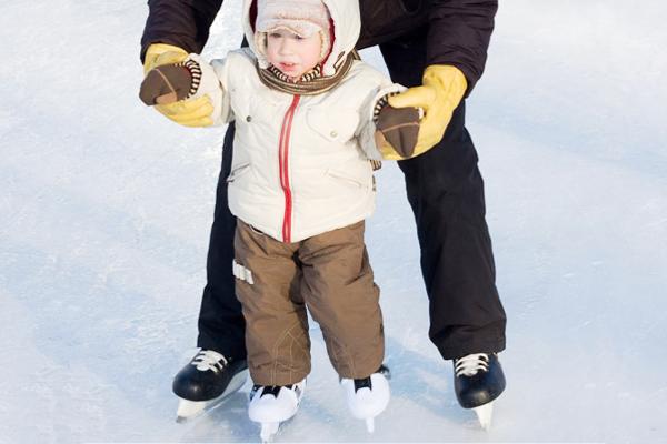 Як навчити дитину кататися на ковзанах-3