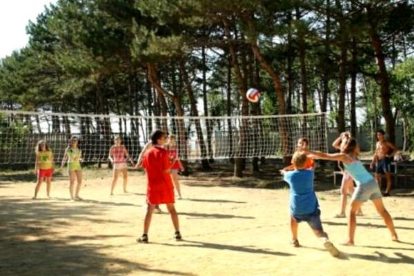 дитячі ігри з м'ячем-1