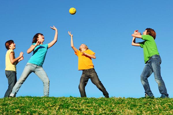 дитячі ігри з м'ячем-2