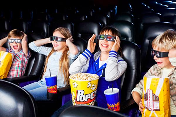 з якого віку можно ходити з дитиною в кінотеатр-1