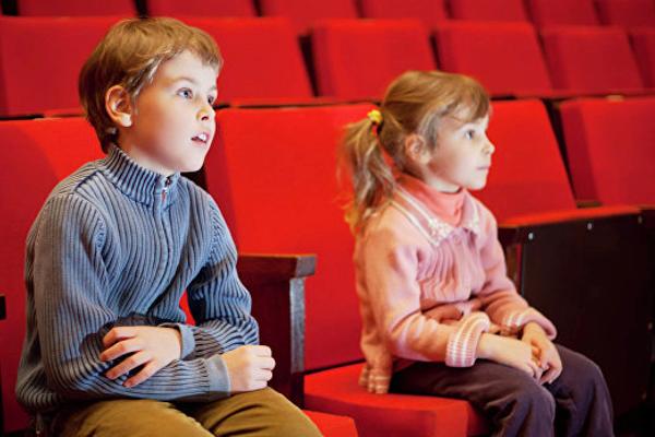 з якого віку можно ходити з дитиною в кінотеатр-2