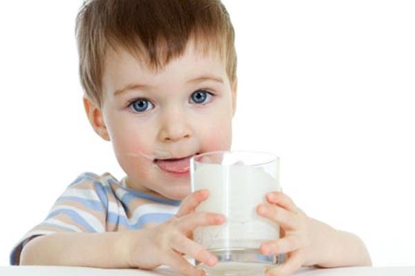 коровяче молоко для дитини-1