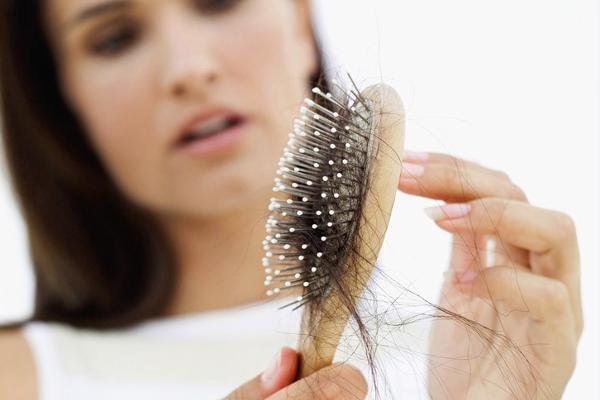 випадає волосся після пологів-1