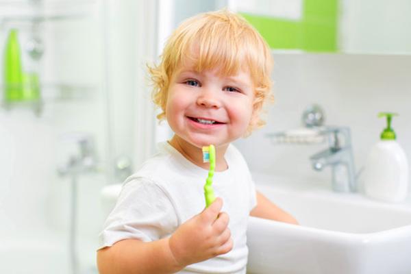 стоматолог та дитина-2