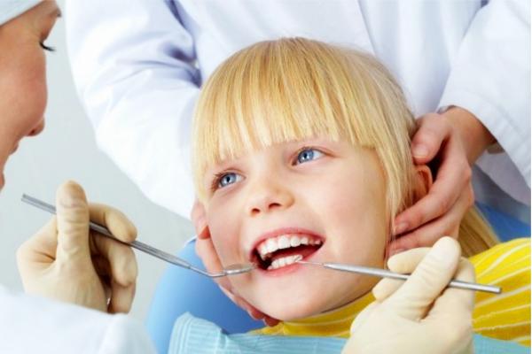 стоматолог та дитина-3